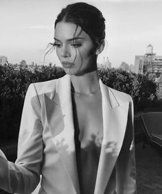 See Kendall Jenner's Best looks and Outfits in this great file to get inspired by the it-model iconic style. Kendall Jenner Woodland Hi. Kendall Jenner Outfits, Kendall And Kylie Jenner, Kendall Jenner Instagram, Kendall Jenner Modeling, Kendall Jenner Makeup, Kylie Jenner Grunge, Kendall Jenner Wallpaper, Kendall Jenner Photoshoot, Tumbrl Girls