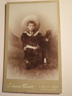 Neuendorf - stehender Junge mit Hut und Schaukelpferd Spielzeug Pferd / CDV in Antiquitäten & Kunst, Fotografie & Fotokunst, Vor 1940   eBay