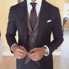Suiting with a vest. I might costume my man like this Fashion Mode, Suit Fashion, Mens Fashion, Fashion Photo, Gentleman Mode, Gentleman Style, Sharp Dressed Man, Well Dressed Men, Mens Attire
