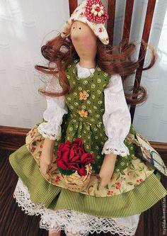 Куклы Тильды ручной работы. Ярмарка Мастеров - ручная работа. Купить Алисия с любимым цветком. Handmade. Оливковый, весна