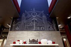 Caroscope Showroom Novoceram #showroom #scenographie #craie #cuisine #industriel #chalkboard #carrelage http://www.novoceram.fr/blog/scenographies/caroscope