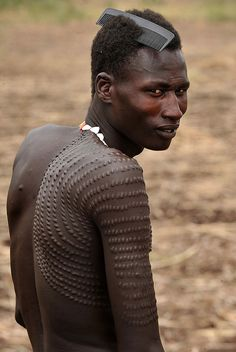 escarificaciones- Nyangatom tribe, southern Sudan and Ethiopia Cultures Du Monde, World Cultures, Africa People, Tribal People, Art Africain, African Tribes, Foto Art, Portraits, African Culture
