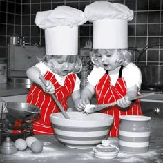 ✩⋆ Red Color Splash ⋆✩ Red and Grey ⋆✩ Kids in the kitchen Splash Photography, Color Photography, Black White Red, Black White Photos, Color Splash Photo, Little Chef, Queen Art, Beautiful Children, Cute Kids