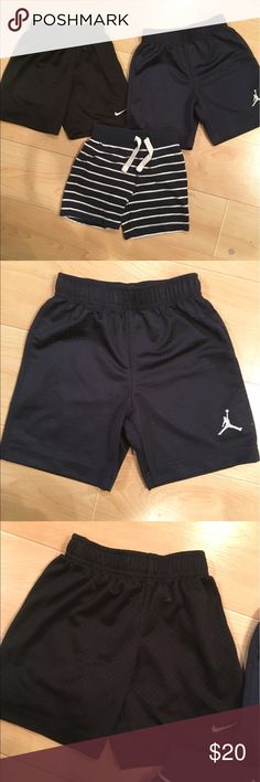 Little boys Shorts BUNDLE, 2T Bundle includes: navy Jordan gym shorts, black Nike gym shorts, Old Navy, navy stripe French terry. All 2T and excellent condition. *Bundle and save! Bottoms Shorts