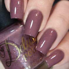 Gentle Lion - A Mauve flakies filled cream from the Knight's of Thrones Collection.