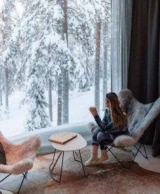 Comfy winter views ❄ Photo by Zeeba Life Comfy winter views ❄ Photo by Zeeba Life This image has get. Hygge, Window View, Cozy House, My Dream Home, Future House, Nooks, Interior And Exterior, Beautiful Places, House Design