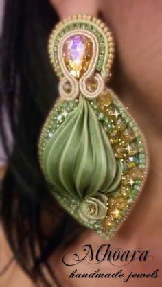 Shibori silk earrings 'Gold Olivine' by Mhoara Jewels