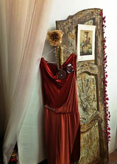 Boudoir idea | Pin-Brooche Baroque Lady e. 9.99 by Stupiva on Etsy