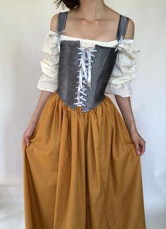 Italian Renaissance Dress, Renaissance Skirt, Renaissance Festival Costumes, Diy Medieval Costume, Faerie Costume, Fair Outfits, Nice Dresses, Dress Up, Corsets