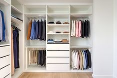 Open dressing Outfit, New Homes, Closet, House, Home Decor, Voordelen Van, Google, Dressings, Tips