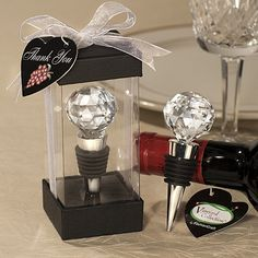 VINEYARD CRYSTAL BALL DESIGN WINE STOPPERS