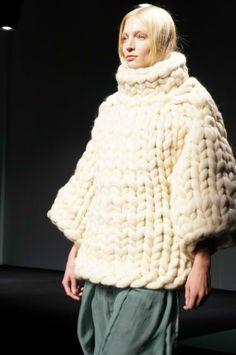 http://www.aliexpress.com/store/1687168 Super chunky knit sweater
