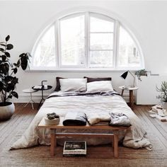 Bedroom madness. The colors, textures and furniture choice is sublime!