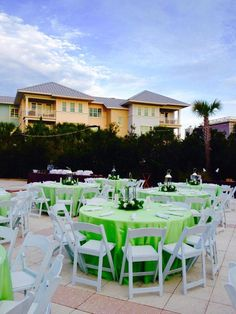 Beautiful Apple and White Rehearsal dinner at the Palm Cove Poolside @WildDunesResort #WildDunesWeddings