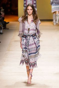 Etro's easily one my favourite collections for all of SS15, so far. Etro Spring Summer 2015. Photo by Daniele Oberrauch