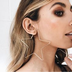 "2,733 Likes, 28 Comments - VERGE GIRL (@vergegirl) on Instagram: ""♢ GOOD TO LOVE STAR HOOPS ♢ These cool babies are back in stock gals // Get in quick ↝…"""