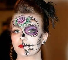 Calavera Makeup Sugar Skull Ideas for Women are hot Halloween makeup look.Sugar Skulls, Día de los Muertos celebrates the skull images and Calavera created exactly in this style for Halloween. Costume Halloween, Cool Halloween Makeup, Halloween Town, Women Halloween, Twiggy, Film Black, Horror Party, Sugar Skull Makeup, Mardi Gras