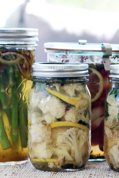 Dried herbs, garlic and lemon are in these tangy, probiotic, mediterranean cauliflower pickles. These are great for your skin and energy boosting.