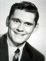 Nai'zyy Dick York Actor Richard Allen York, known as Dick York, was an American actor. He is best remembered for his role as the first Darrin Stephens on the ABC television fantasy sitcom, Bewitched. Wikipedia