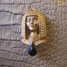 Figural Goldtone Cleopatra Egyptian Woman Head Pin Brooch, Gold-Tone Figural Brooches, Nefertiti Valley of the Kings Chic, Vintage Face Pin