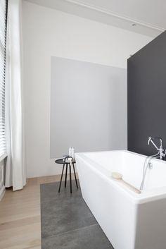 Wit - Grijs - Hout - Strak - Vrijstaand bad