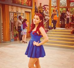 See more Ariana on her nick tv shows victorious and Sam and cat Ariana Grande Gata, Ariana Grande Fotos, Ariana Grande Red Hair, Victorious Cat, Cat Valentine Victorious, Victorious Nickelodeon, Ariana Grande Victorious, Sam And Cat, Scream Queens
