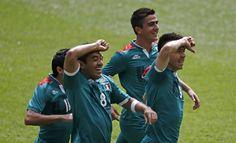 JO – football : le Mexique crucifie le Brésil.  Le Mexique remporte la médaille d'or du tournoi olympique de football messieurs pour la première fois de son histoire en battant le Brésil 2 à 1 (mi-temps: 1-0) à Wembley. La Corée du Sud avait décroché la médaille de bronze vendredi en battant le Japon (2-0).