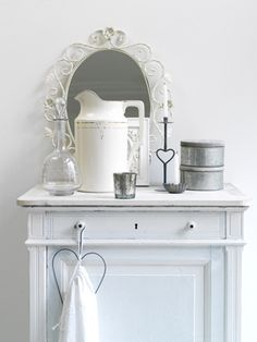 Wit brocante #white #interior #decoration
