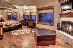 Pioche Ski Home - 5BR + Bunk Room Home + Private Hot Tub