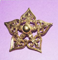 Large FLEUR de LIS PIN  Gold Tone Star Shape  S1468