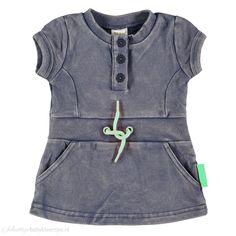 Zoekt u een stoer jurkje met jeans wassing van Dirkje babykleding? Kijk in onze webshop naar dit jurkje Island. Goedkoop, snel geleverd en hoge klantwaardering.