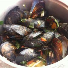 Pattis Mussels a la Mariniere - Allrecipes.com