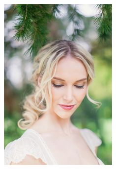 Soft and pretty make up Bridal Hair And Makeup, Hair Makeup, Love Photography, Wedding Photography, Botanical Wedding, Face Hair, Wedding Images, Portrait Photographers, Bridal Dresses