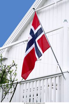 Hurra for 17 Mai! Norway National Day, Holidays In Norway, Animation 3d, Norway Flag, Constitution Day, Beautiful Norway, Pattern Photography, Family Roots, My Heritage