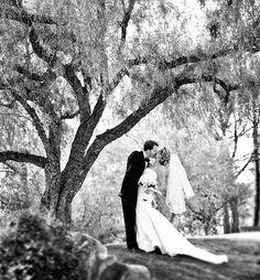 b&w wedding portrait via jkoe photo //