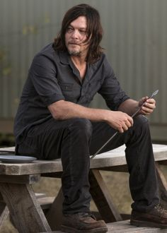 Daryl Dixon in The Walking Dead Season 7 Episode 14 | The Other Side