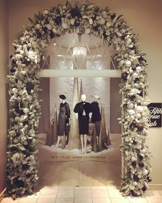 "SAKS FIFTH AVENUE, Indianapolis, Indiana, ""Believe in The Magic of Christmas"", photo by Olizer René Garcia, pinned by Ton van der Veer"