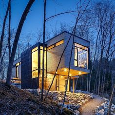 The architectural photography team @2spacephoto sent us this shot they took of a custom cabin in Ottawa, Ontario. Designed by @csarchitect45, Val des Monts is a family cottage that cantilevers over a lake in Gatineau Hills. Consisting mainly of eastern white cedar, glass, and steel, the dormitory-style sleeping quarters sit nestled into the rocks on the lower level, while the family room looks out from the cantilevered upper level. To submit your photo to be featured as our next Photo of the…