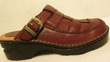 Sz 7 M Brown Born Clogs