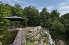 contemporary waterfall home rhinebeck new york 12