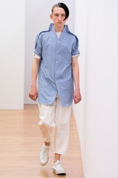 See the complete Comme des Garçons Shirt Spring 2018 Menswear collection.