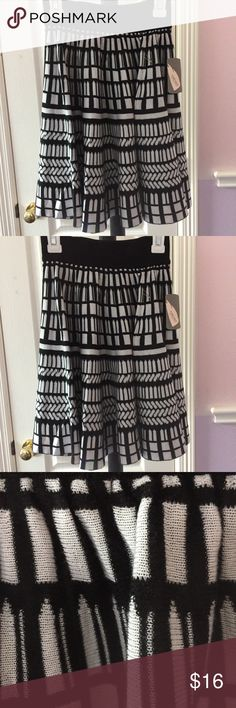 Black and ivory forever 21 skirt Very soft and comfortable skirt Forever 21 Skirts