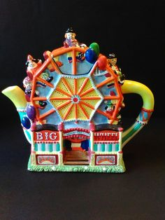 Big Wheel novelty teapot in shape of ferris wheel, ceramic