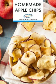 Apple Chips are the ultimate, baked treat and made with only 2 ingredients, cinnamon and apples. Perfect for an after school snack or lunchbox treat. Baked Banana Chips, Baked Chips, Healthy Snack Options, Healthy Snacks, Healthy Kids, Healthy Eating, Healthy Recipes, Delicious Snacks, Skinny Recipes