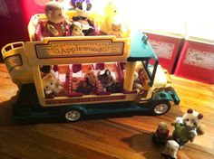 Micheala Demkiw sent in this lovely photo of her Sylvanians going on a summer holiday! #sylvaniansummer #sylvanianfamilies