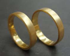 18k Gold Wedding Bands - like the brushed gold bands.