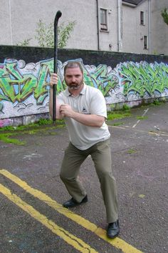 All about the art of Irish stick fighting or Bataireacht. Martial Arts Techniques, Self Defense Techniques, Walking Sticks And Canes, Walking Canes, Irish Walking Stick, Stick Fight, Walking Staff, Irish Fashion, Martial Arts Training