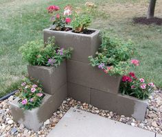 Easy And Inexpensive Cinder Block Garden Ideas 06340 - front yard landscaping ideas Lawn And Garden, Garden Beds, Herb Garden, Easy Garden, Spring Garden, Garden Walls, Simple Garden Ideas, Cheap Garden Ideas, Garden Path