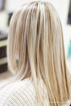 Idée Couleur & Coiffure Femme 2017/ 2018 : Dont get me wrong super straight blonde hair is definitely beautiful. Especi