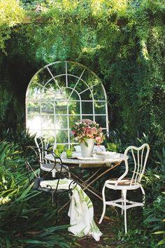 big mirror in the garden, it's a dream!  Flighty Naty: 26 July 2012